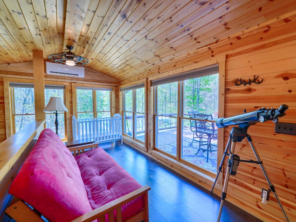 Ridgewater Lodge Hocking hills Sun Room