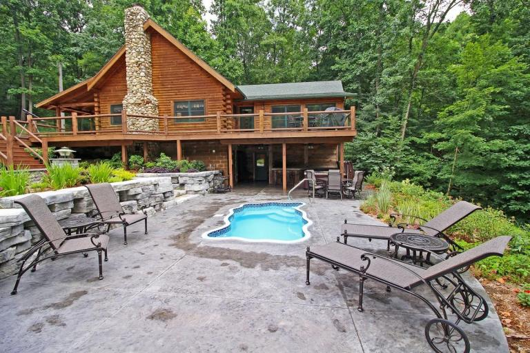 Ridgewater Lodge Lodge with Pool
